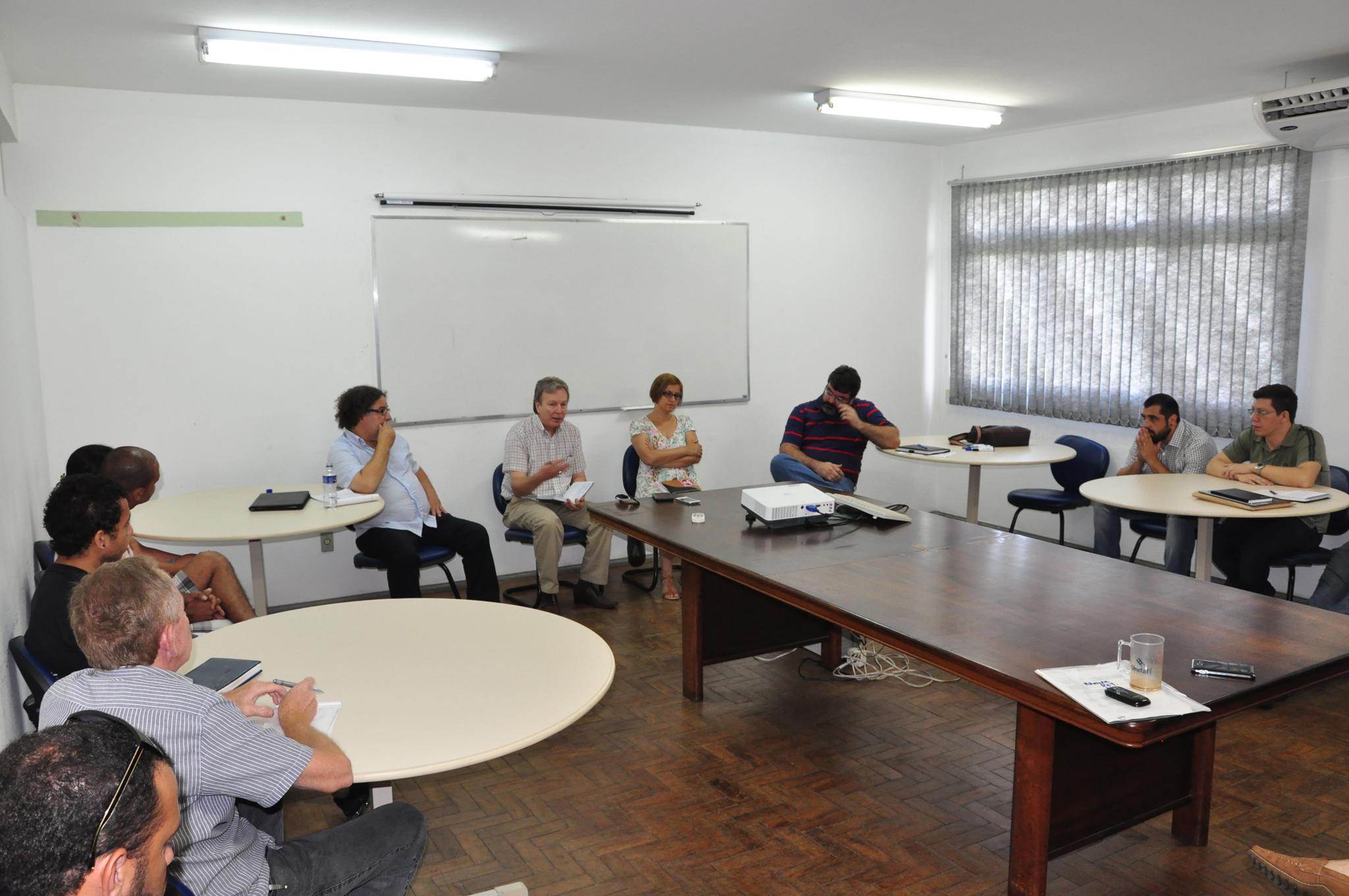 Coordenação de Comunicação Social » Administração debate