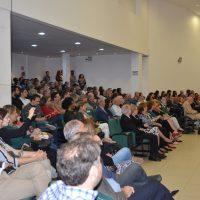 Público lotou o auditório do centro de artes