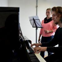 Pianista e cantora