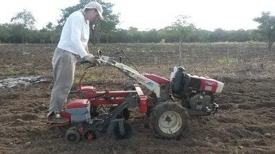 Outra máquina utilizada no campo