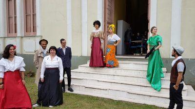 Grupo de alunos do cosplay