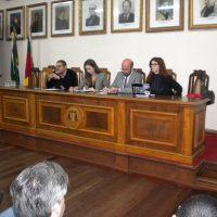 Mesa do evento com os reitores, mediadora e docente da UFPel.