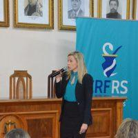 defensora pública fala no seminário.