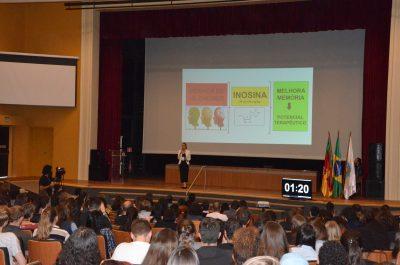 apresentação de doutoranda no evento